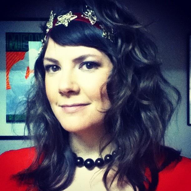 Headband by Pepinochic.  Thanks, Natalie!